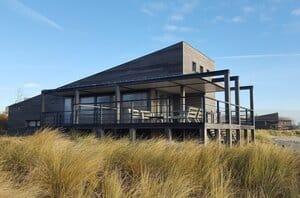 luxe villa aan zee nederland