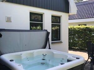 vakantiehuis aan zee met jacuzzi nederland