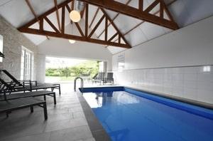 huisje met eigen zwembad nederland