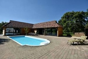 huisje met zwembad in nederland