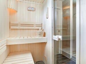 luxe vakantiehuis friesland aan het water met sauna