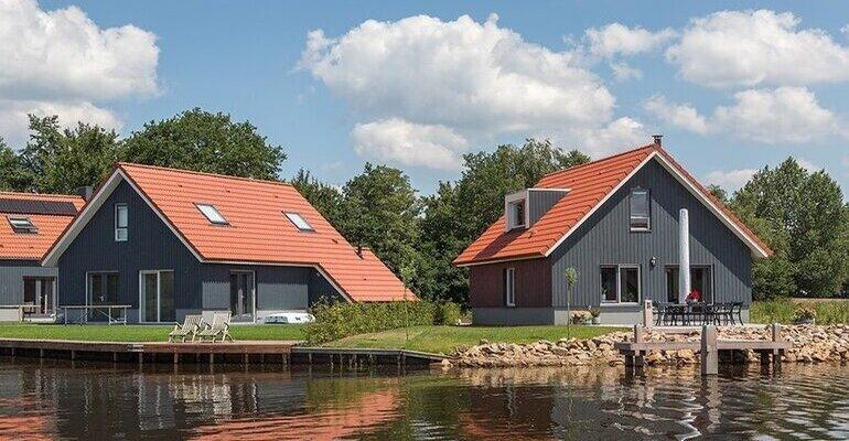 vakantiehuis friesland aan het water