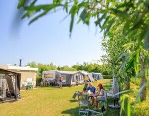 kamperen aan zee met camper