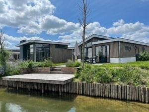 huisje aan het water nederland