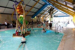 vakantiepark met subtropisch zwembad nederland