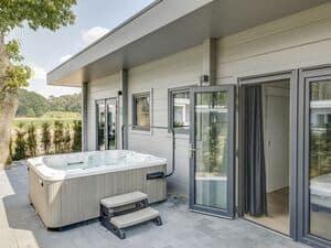 luxe huisje met bubbelbad limburg